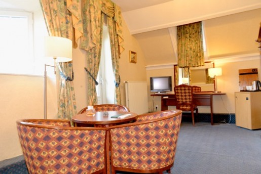 castle hotel holland room with terrace near Maastricht |www.castlehotelholland.eu