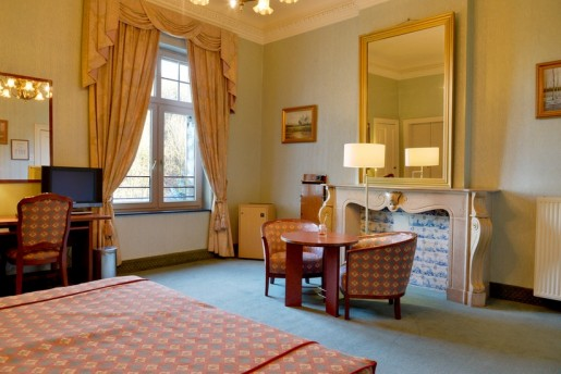 room type B with roman bath castle hotel holland