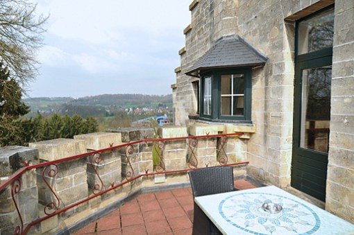 Hotel room with terrace near Maastricht and Valkenburg |www.castlehotelholland.eu