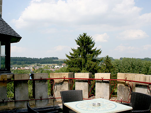 Family room with Terrace  Valkenburg |www.castlehotelholland.eu